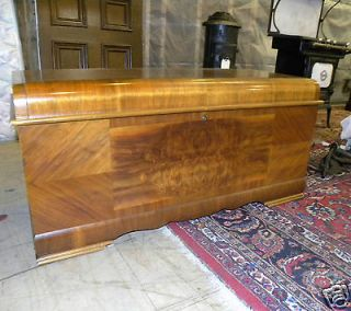 1947 ANTIQUE ART DECO WATERFALL STYLE LANE CEDAR BEDROOM HOPE CHEST