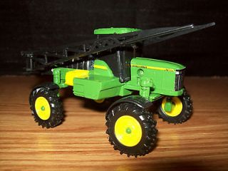64 TRACTOR JOHN DEERE 4700 SELF PROPELLED SPRAYER FERTILIZER FARM TOY