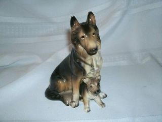 VINTAGE HAND PAINTED DOG FIGURE   GERMAN SHEPHERD AND PUP #H2175