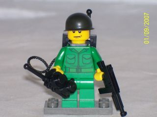 Lego Minifig WW2 Army Soldier Radio Man with Accessories
