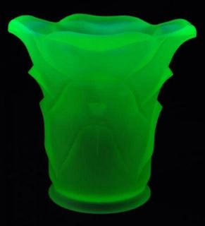 ART DECO VASELINE URANIUM FROSTED GLASS VASE 1930