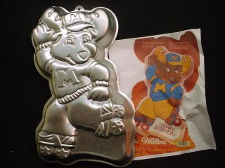 Wilton BIG MONTGOMERY MOOSE cake pan GET ALONG GANG bake mold tin