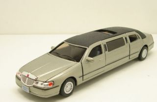 New 1999 Lincoln Town Car Stretch Limousine 138 scale 7 diecast