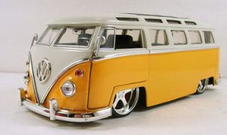 Jada 1972 Volkswagen VW Bus T2 124 scale diecast BigTime Kustoms