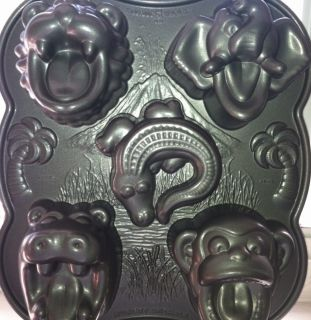 Nordic Ware Hungry Animals Cake Pan Cakelets Muffins Ice Cream Mold