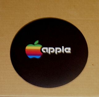 Vintage Apple Computer Rainbow Apple Logo Round Mouse Pad