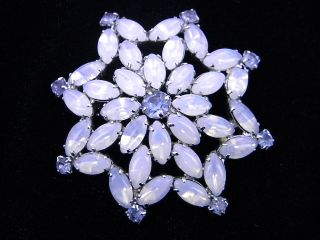 Vintage Juliana D E Opal Moonstone Star Pin So Pretty