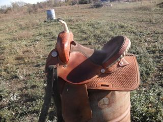 Qualifier Barrel Racing saddle Handcrafted Gerald Bethune Flat Rock AL
