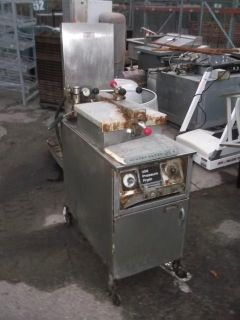 PENNY HEAVY DUTY COMMERCIAL ELECTRIC PRESSURE FRYER WITH OIL FILTER