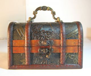 Medium Antique Design Wooden Jewelry Treasure Chest Box Handle