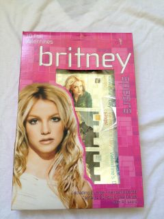 BRITNEY SPEARS VALENTINES DAY CARDS BRAND NEW, NEVER OPENED 30FOIL