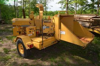 1996 VERMEER 1250 TURBO WOODCHIPPER W/ PERKINS DIESEL ENGINE