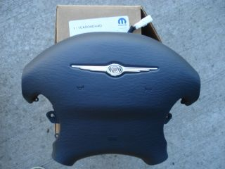 NEW OEM CHRYSLER SEBRING STEERING WHEEL AIRBAG COVER 1CA00XDVAD HORN