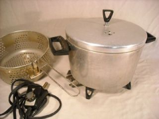 VINTAGE ELECTRIC WESTINGHOUSE DEEP FRYER W/ BASKET MODEL S 18