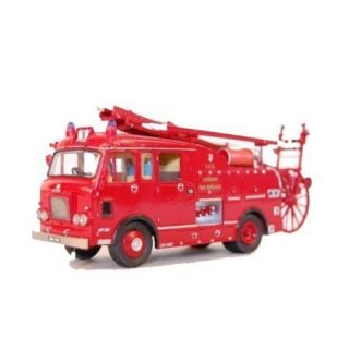 Dennis F106 Pump Escape 1960s Fire Engine Model Kit
