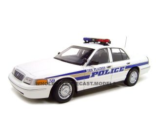 Ford Crown Vic Des Plaines IA Police 1 18 Autoart Model