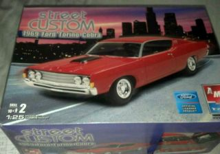 Street Custom 1969 Ford Torino Cobra 1 25 Scale Model Kit by AMT ERTL