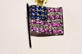 80CT NATURAL PINK, BLUE SAPPHIRE & DIAMOND AMERICAN FLAG PIN 18K WG