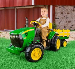 Peg Perego John Deere 12 volt Tractor with Trailer Ground Force IGOR0039