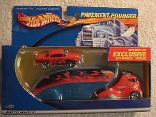 Hot Wheels Pavement Pounder Semi Truck & Car 1/64 scale
