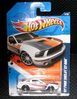 Hot Wheels 2007 Ford Mustang Shelby GT 500 111 1 64