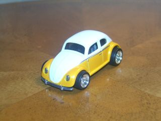 Hot Wheels Garage 30 Car Set  Exclusive Volkswagen Beetle Ships