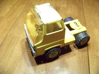 Pressed Steel yellow construction semi Tonka truck RARE 4 WHEELS